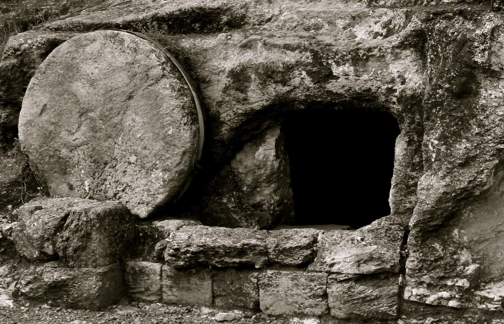 A Case for the Empty Tomb (Part 1: Arguments Against the ...